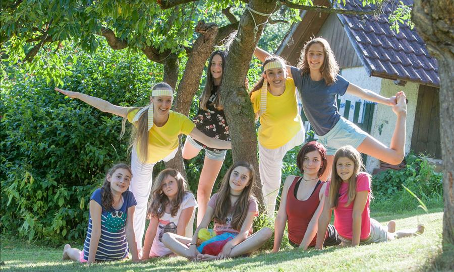 Teenager_Yoga_mit Sibylle Schöppel